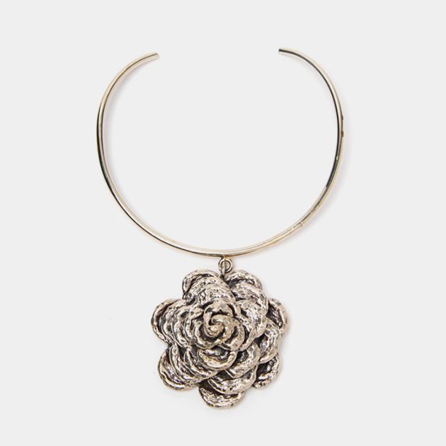 Anndra-Neen-Flower-Necklace-Maison-Mittweg