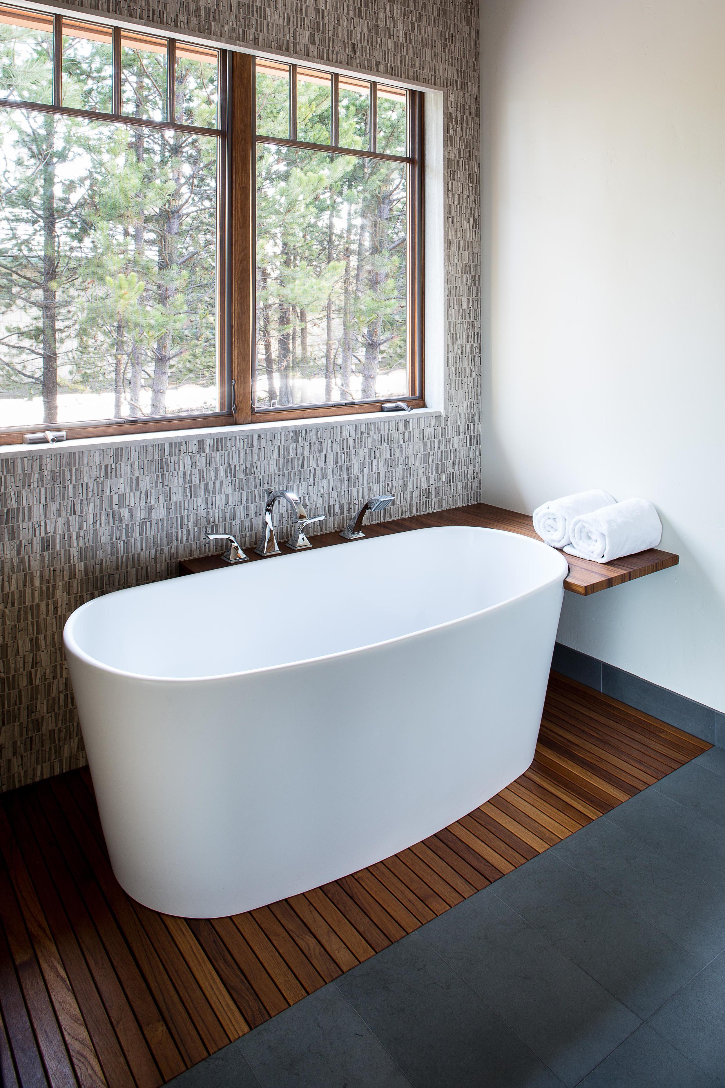 1 Maven_Crosswater_Bathtub.jpg