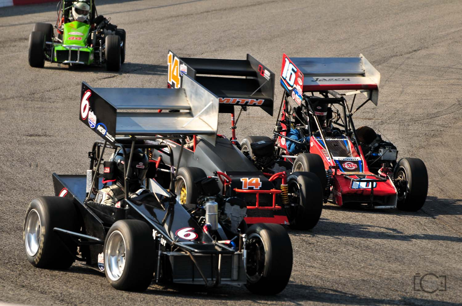 Going three wide during the heat race!