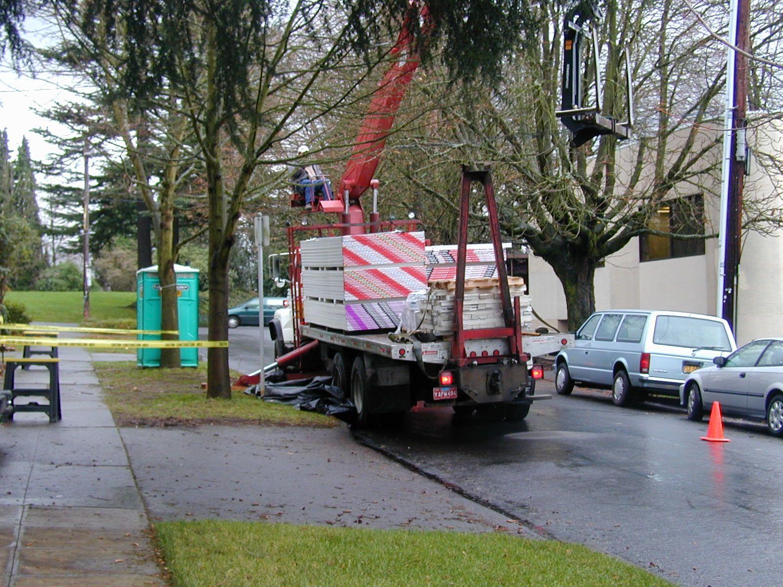 2003 Q4 Duplex Drywall delivery1.jpg