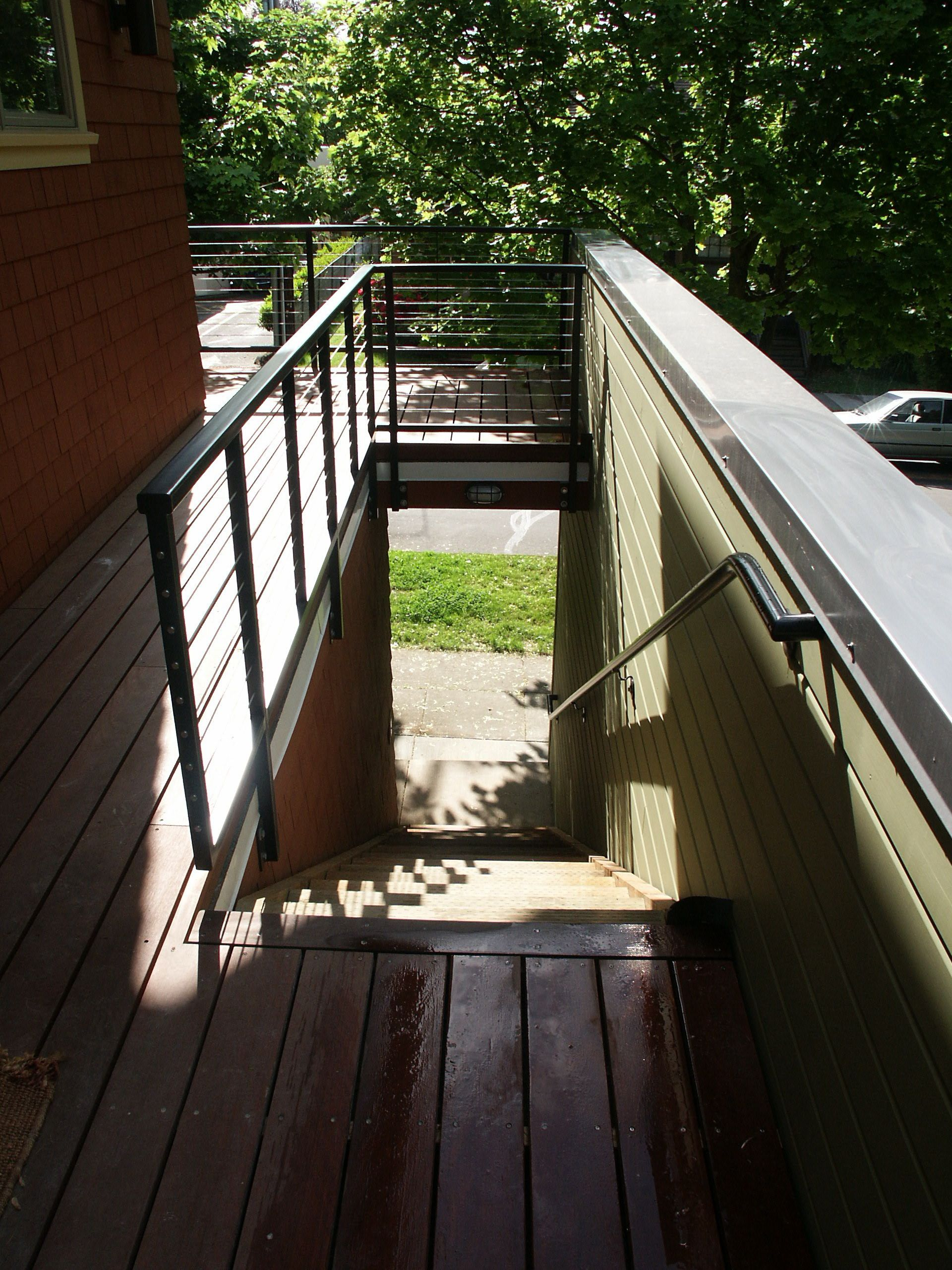 exterior entrance to upstairs unit
