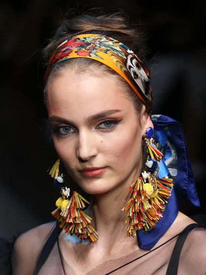 summer-hair-dolce-and-gabbana-spring-2013-french-twist.jpg