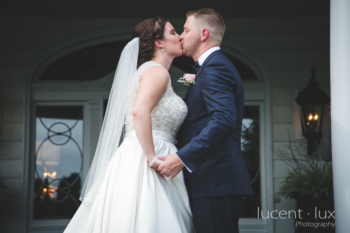 Mansion_Valley_Country_Club_Towson_Maryland_Wedding_Photography-135.jpg