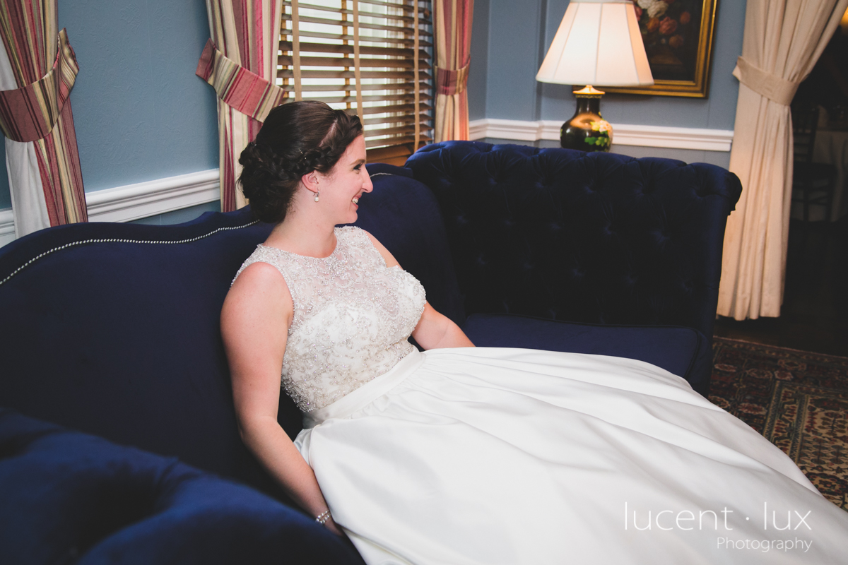 Mansion_Valley_Country_Club_Towson_Maryland_Wedding_Photography-151.jpg