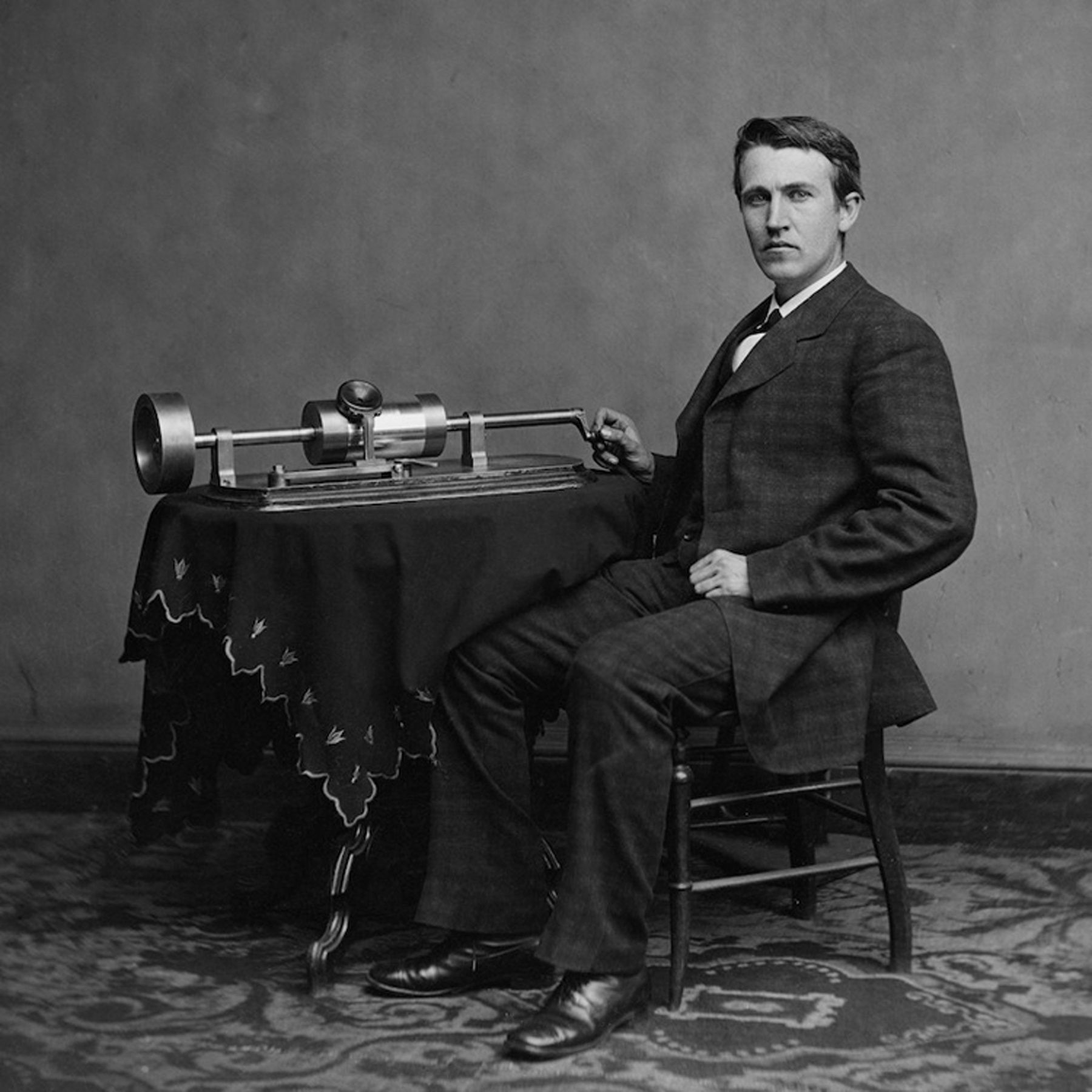 Thomas-Edison-phonograph-free-image-from-Wikipedia.jpg
