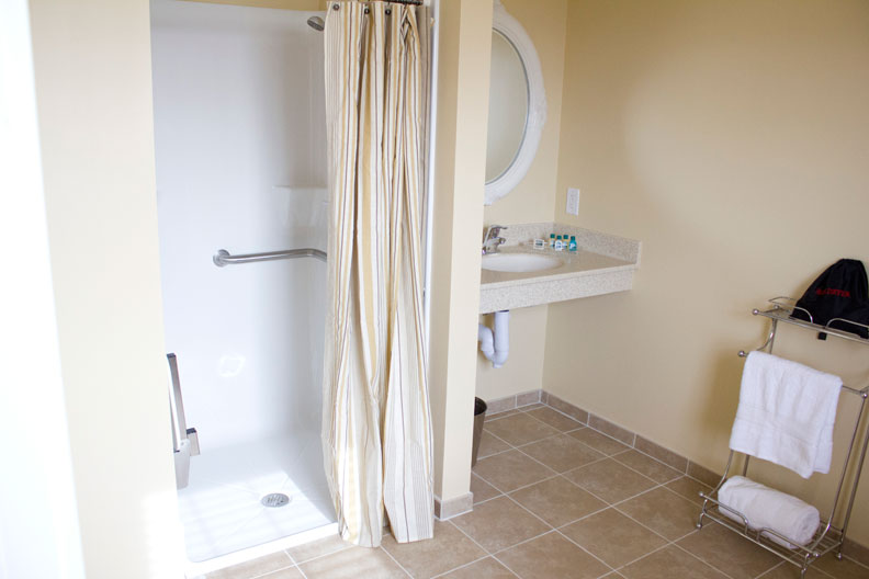 Acc_Bathroom2_Web.jpg