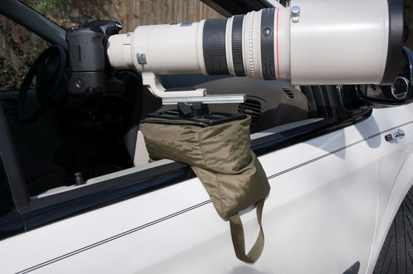 Displayed above is the Molar TV Bean Bag™ mounted on a car door with a 500mm lens. The window is wound all the way down