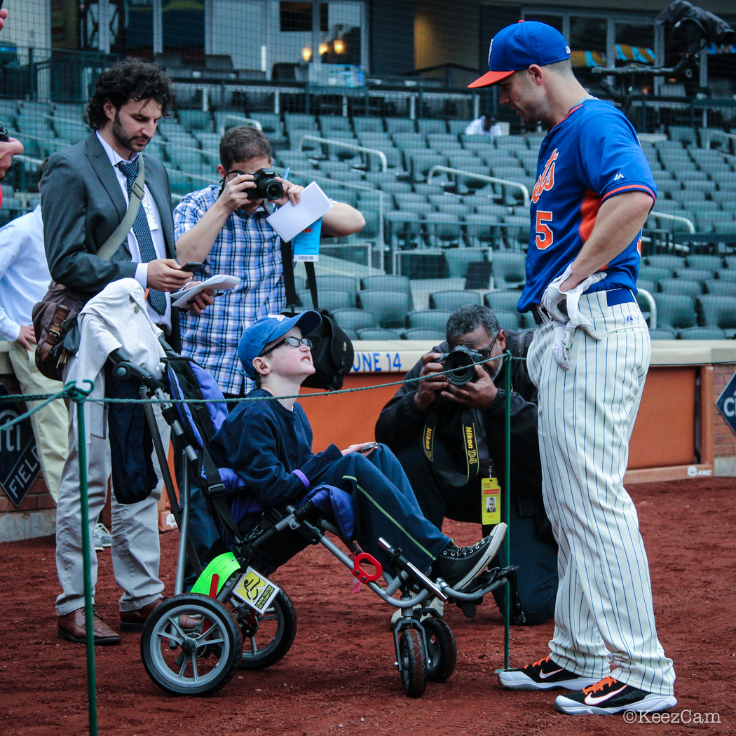 The Captain making time for a young Mets Man.
