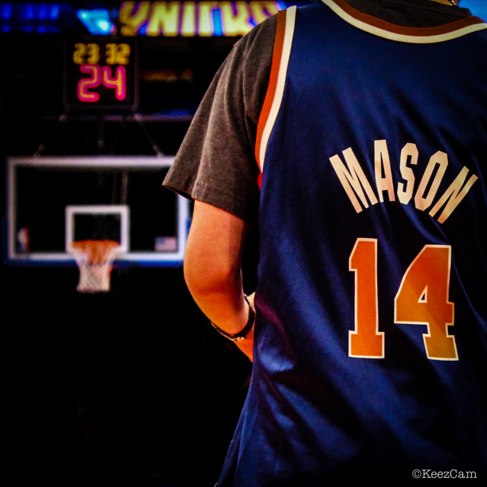 Young New York Knicks fan honoring the loss of Anthony Mason. Once a Knick ALWAYS a Knick.