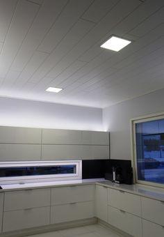 Luonnonvalkoinen sävy valaistuksessa toistaa muun sisustuksen värit oikeina.