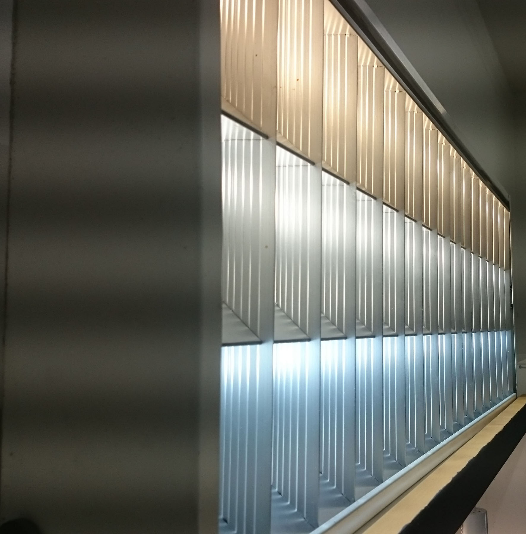 Valon värisävyjen eroja pääsee katsomaan livenä messuilla. (kuvassa lämmin-, normaali- ja kylmä valkoinen.