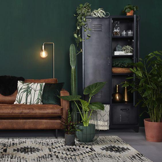 Viherkasvit ovat edelleen hyvin suosittuja. Ne tuovat kotiin kodikkuutta ja pehmeyttä. Kuva: Pinterest