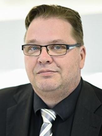 Ari Pölkky  Hallituksen puheenjohtaja  0400-875226
