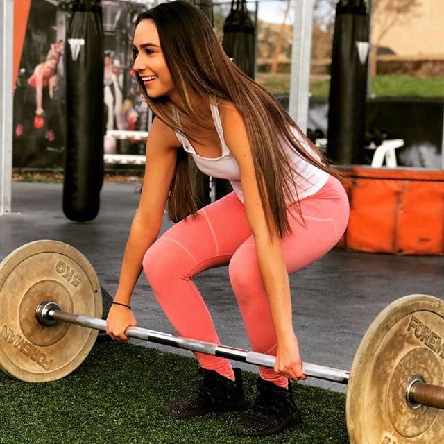 Daniela Profile Pic.jpg