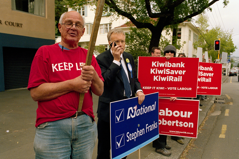 Placard waving, Thorndon.