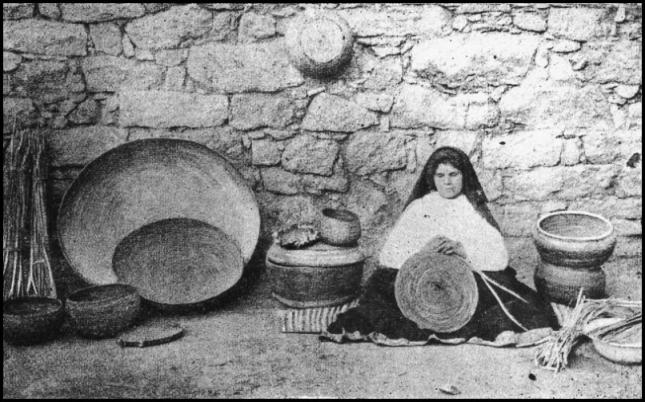 Lavorazione-asfodelo-Olzai-foto-Marchi-ante-1906.jpg
