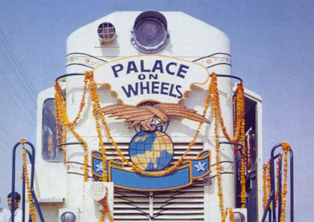 Palace on Wheels Train.jpg
