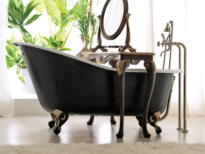 Black Bath Tub.jpg