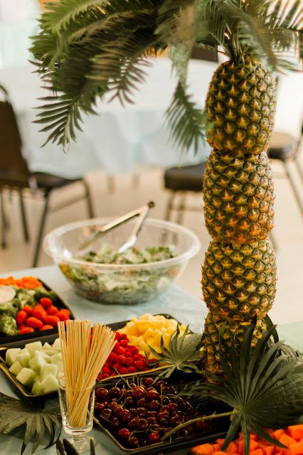 Pineapple Table Centerpiece.jpg