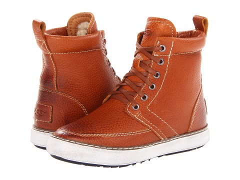These are lined in sheepskin ( 10 points ). I'm always wondering if I can rock the high tops with my non-twiggy legs but this sneaker-boot style could make any set of legs look good. I'm convinced. Buy them  here .