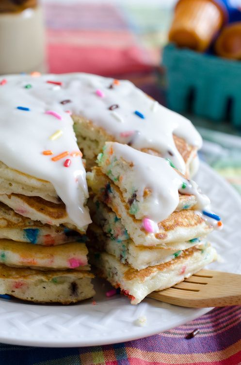 Quick and durty recipe :1.5 cups Funfetti cake mix, 2 tbsp. oil, 1/2 cup milk, 1 egg. (Makes about 6-8 pancakes).