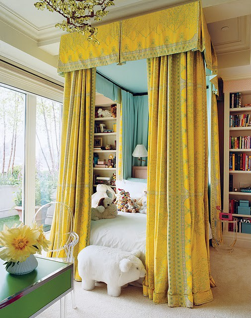 Peppermint-Bliss-Canopy-Yellow-Bed.jpg