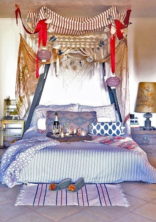 Breakfast-in-bed-canopy-bed.jpg