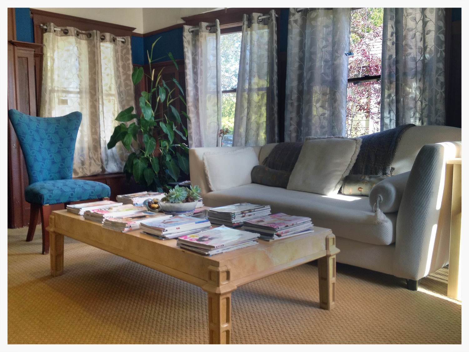Our convenient SanFrancisco and East Bay Area Marriage Counseling locations, offer spacious, beautiful and comfortable spaces  to engage in your couples therap y or i ndividual adult ,  teen or child  psychotherapy work.