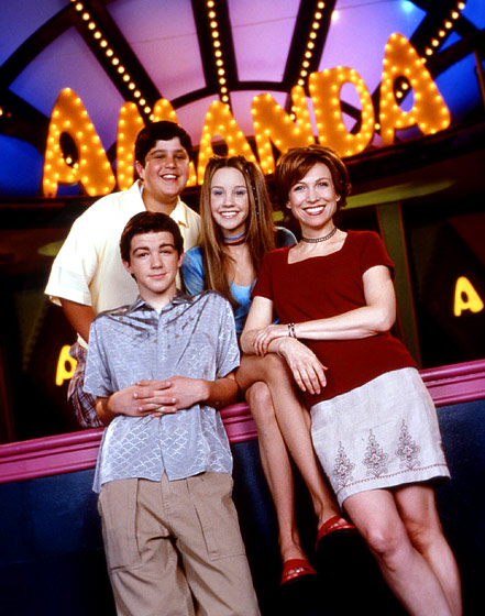 The cast of The Amanda Show: Josh Peck, Drake Bell, Amanda Bynes, and Nancy Sullivan.