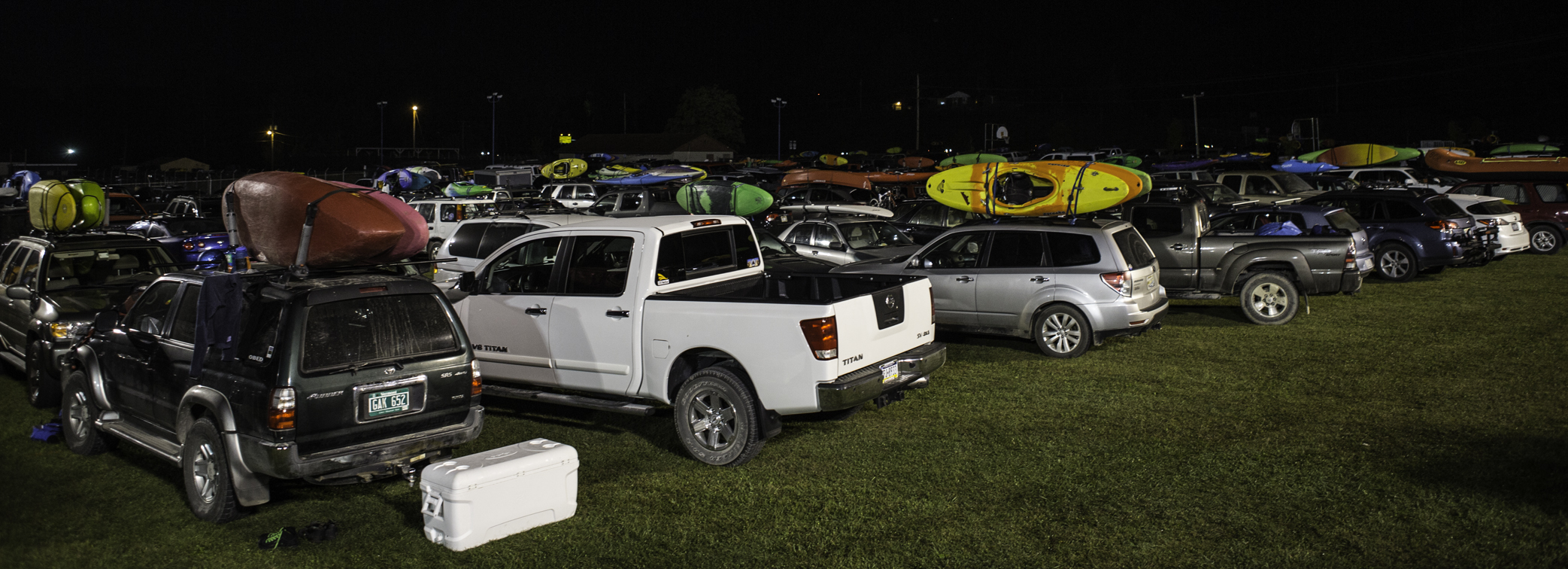 the parking lot on the eve of the fest - so many boats.....