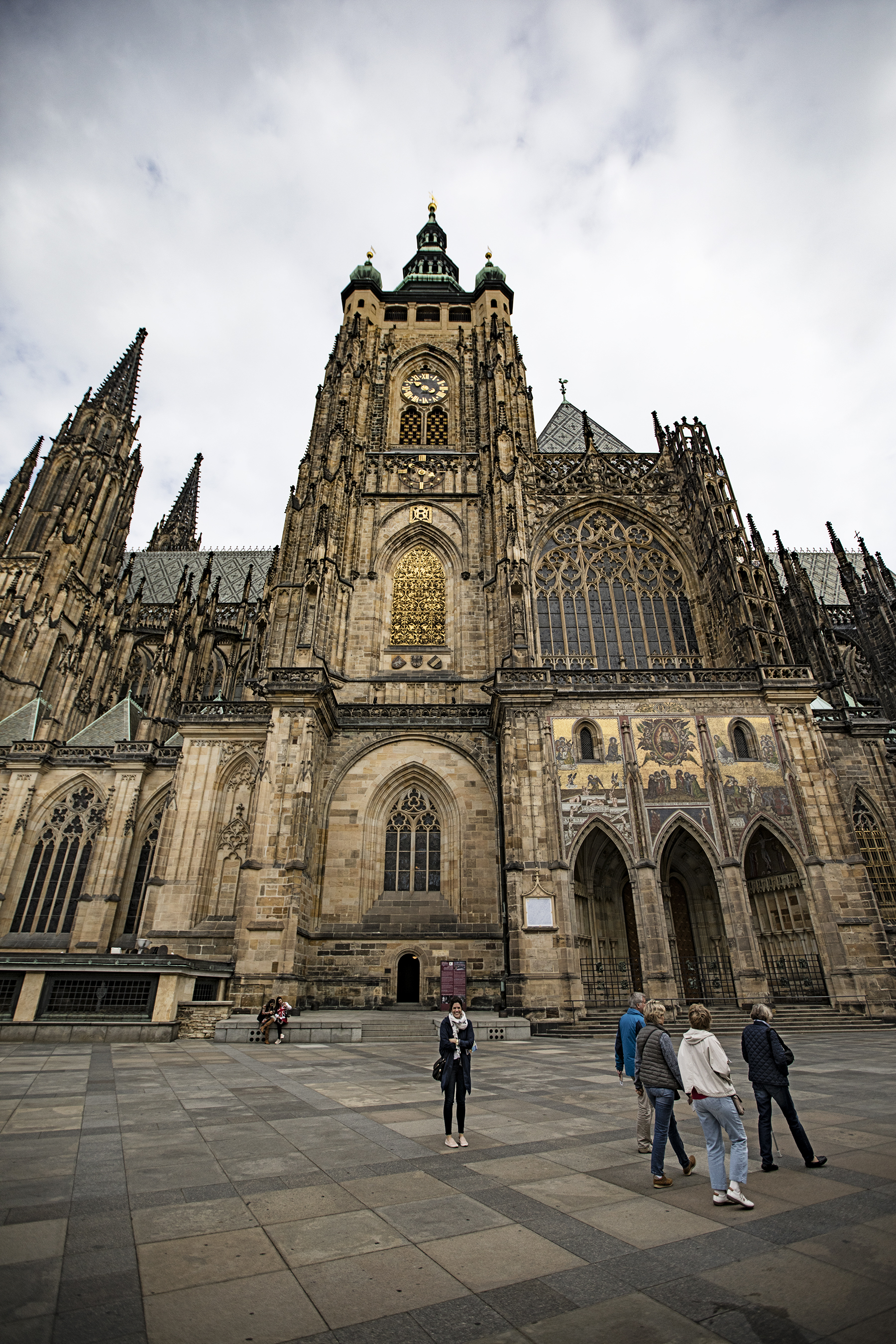 Sloane at the side of St. Vitus Cathedral.