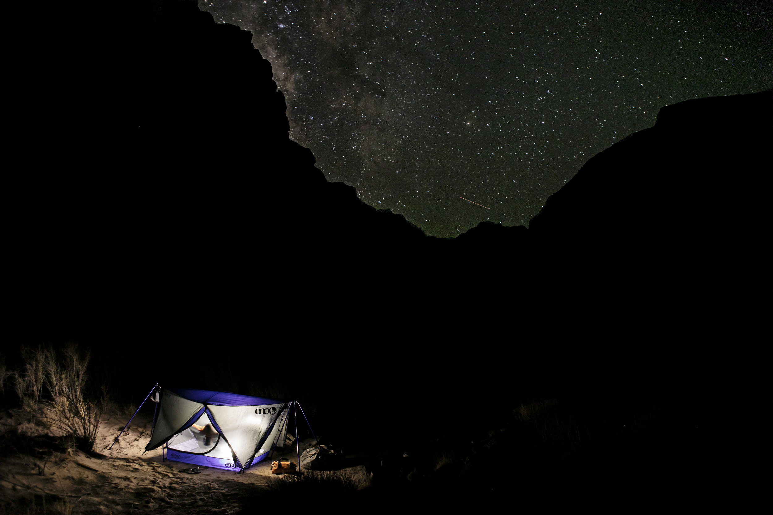 ENO Nomad shelter at 2AM. When you gotta go, and happen to notice the milky way, you get the camera out.