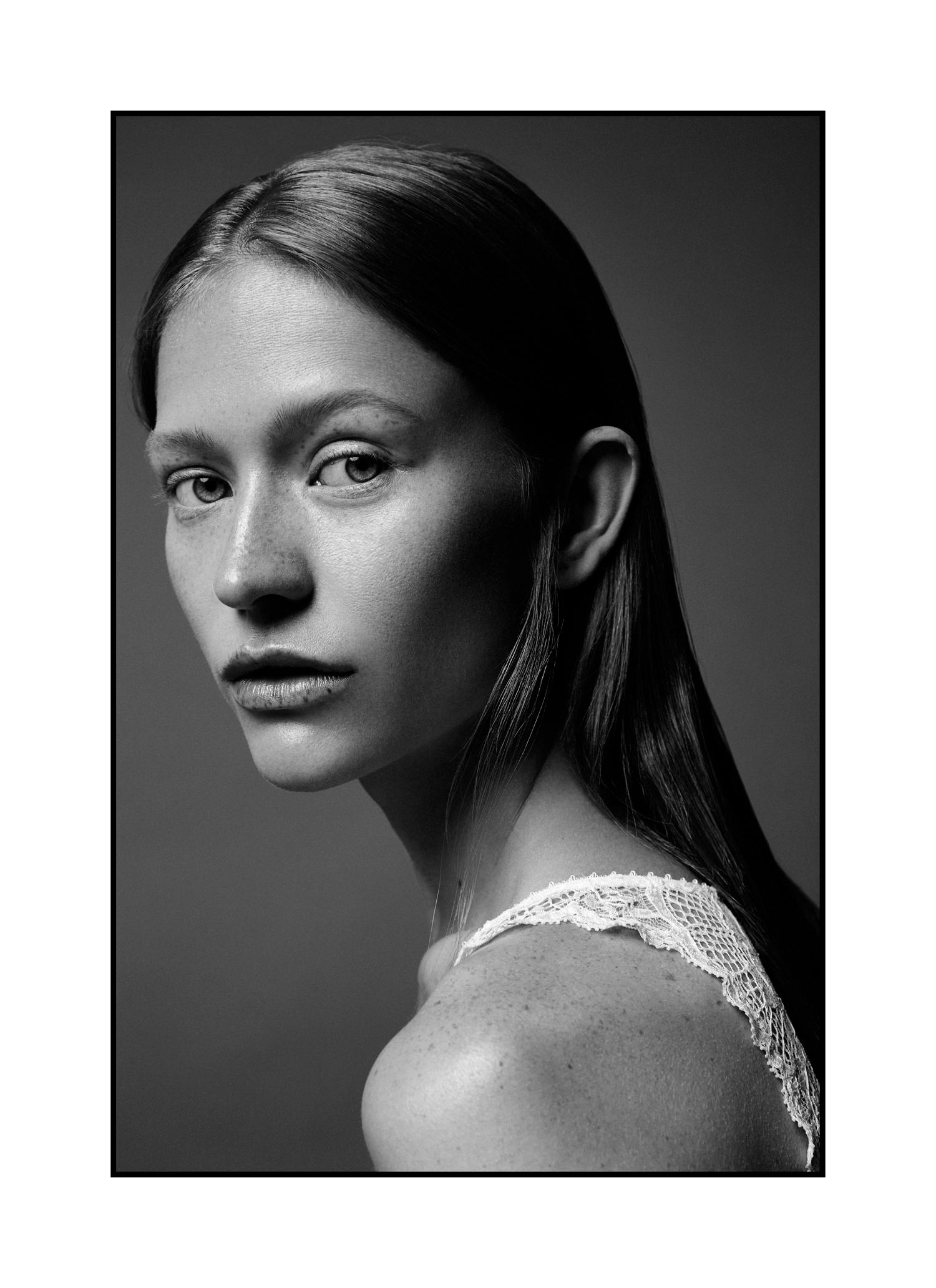 Almas Puras - Mariya Radkovskaya by Cristian Davila Hernandez