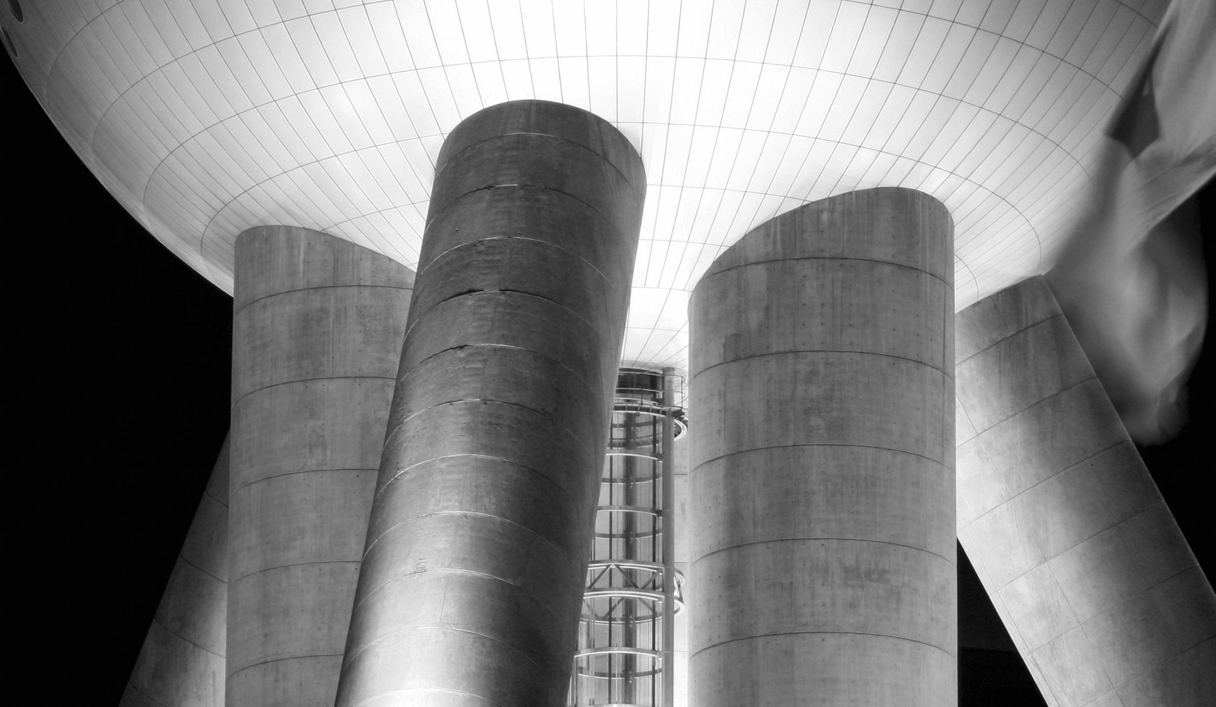Concrete Struts