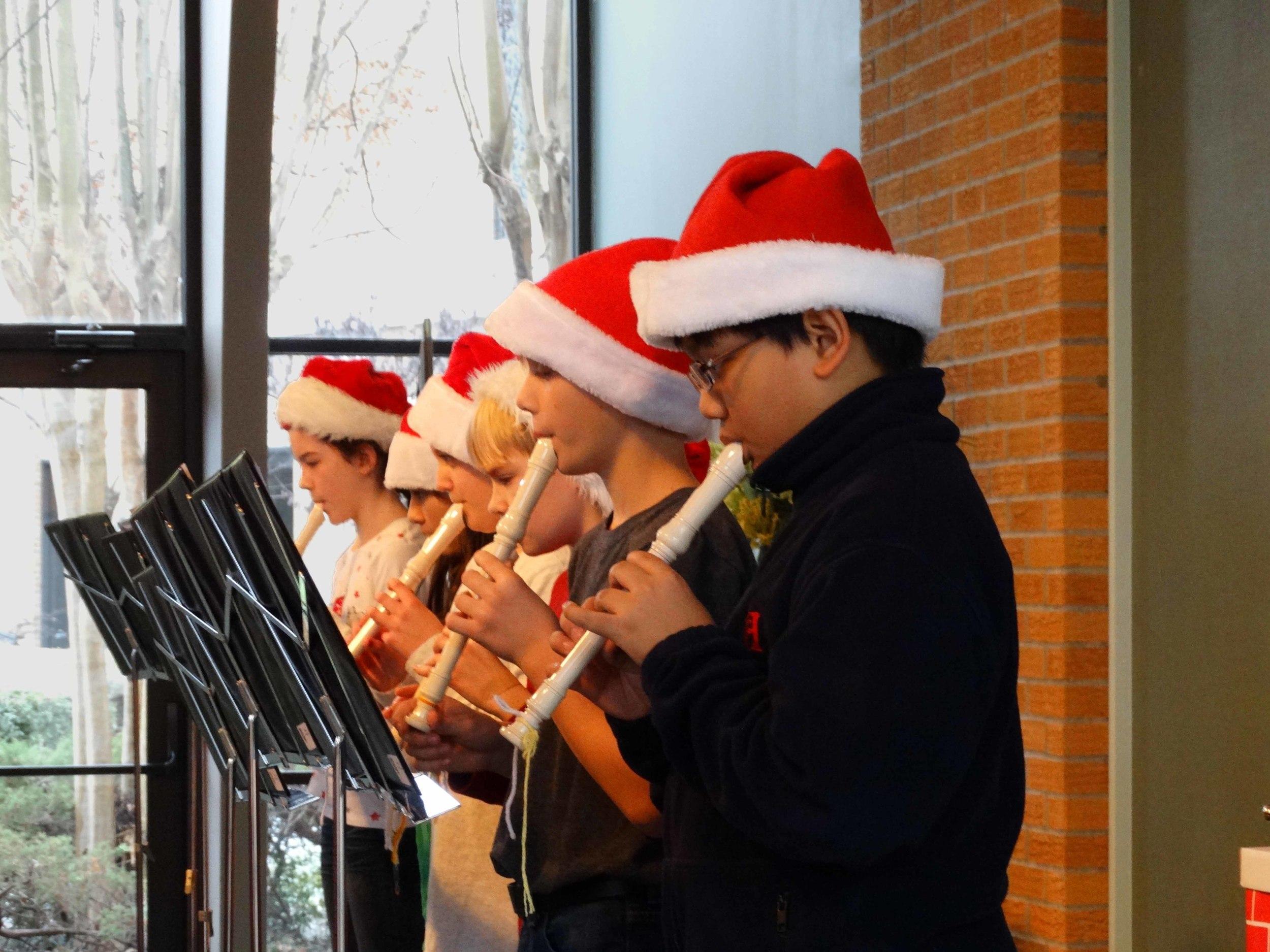 Dec19 WSLSrecorderEnsemble&Choir08.jpg