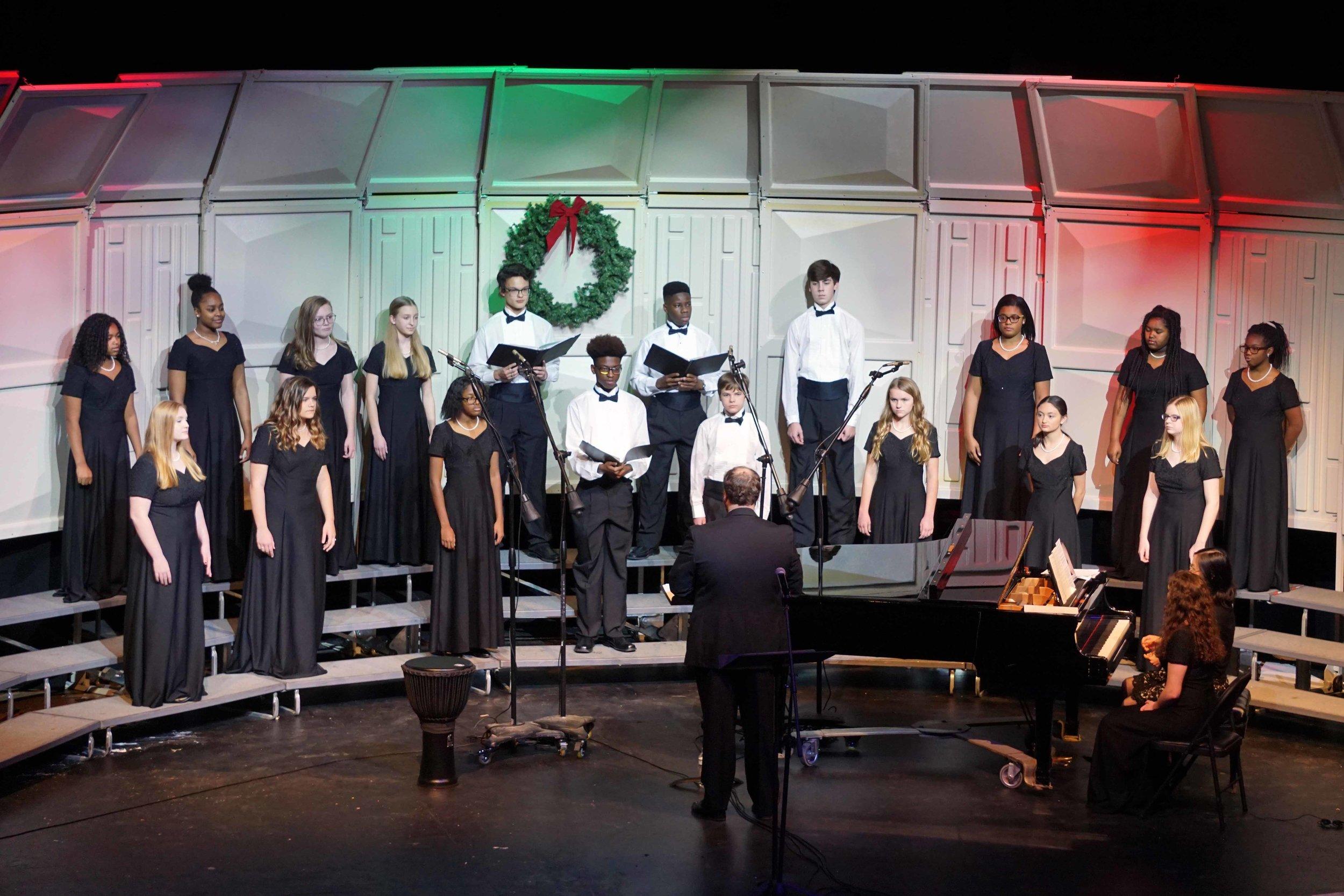 Dec3 ChorusChristmasConcertJuniorChorus07.jpg