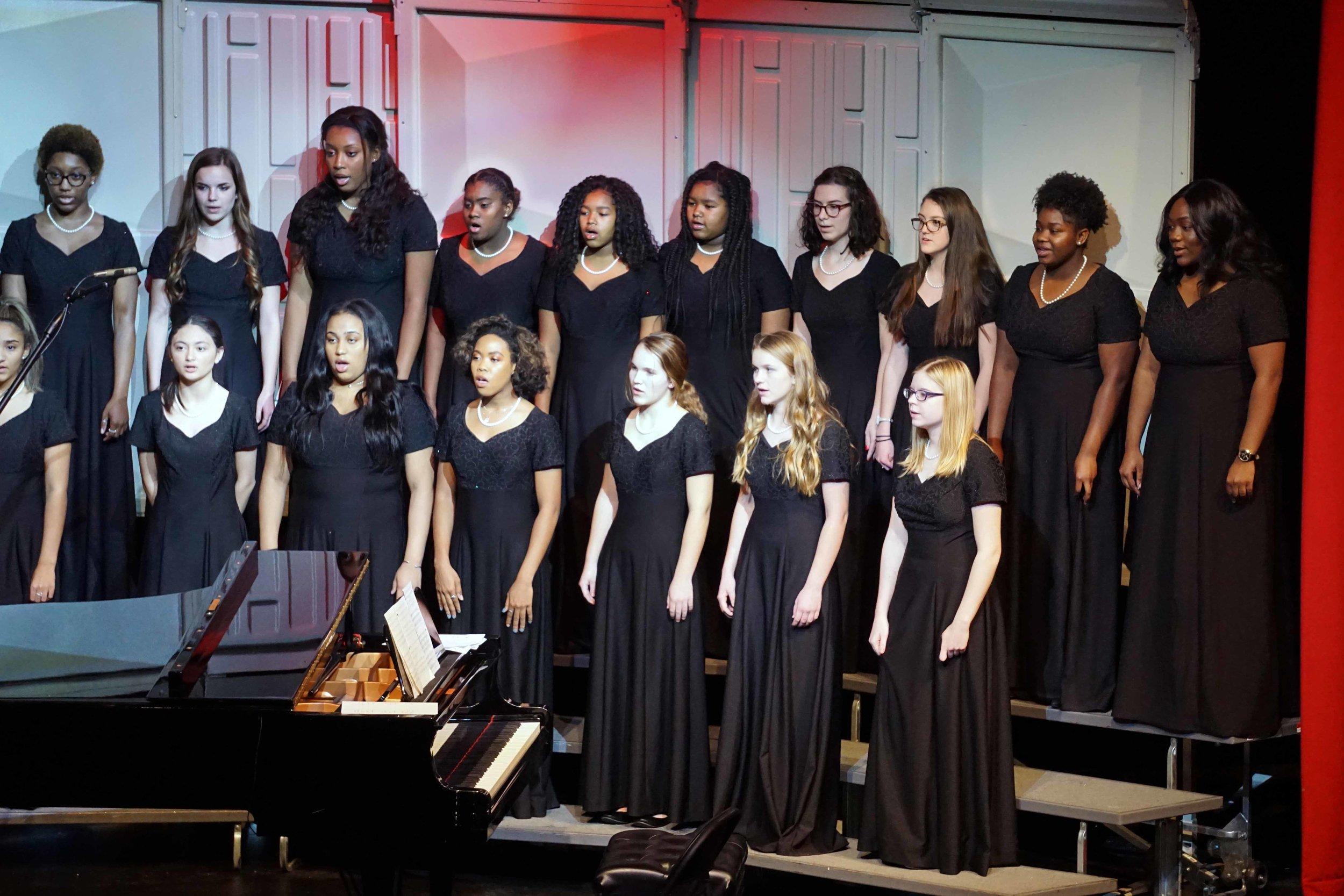 Dec3 ChorusChristmasConcertWomensChorus19.jpg