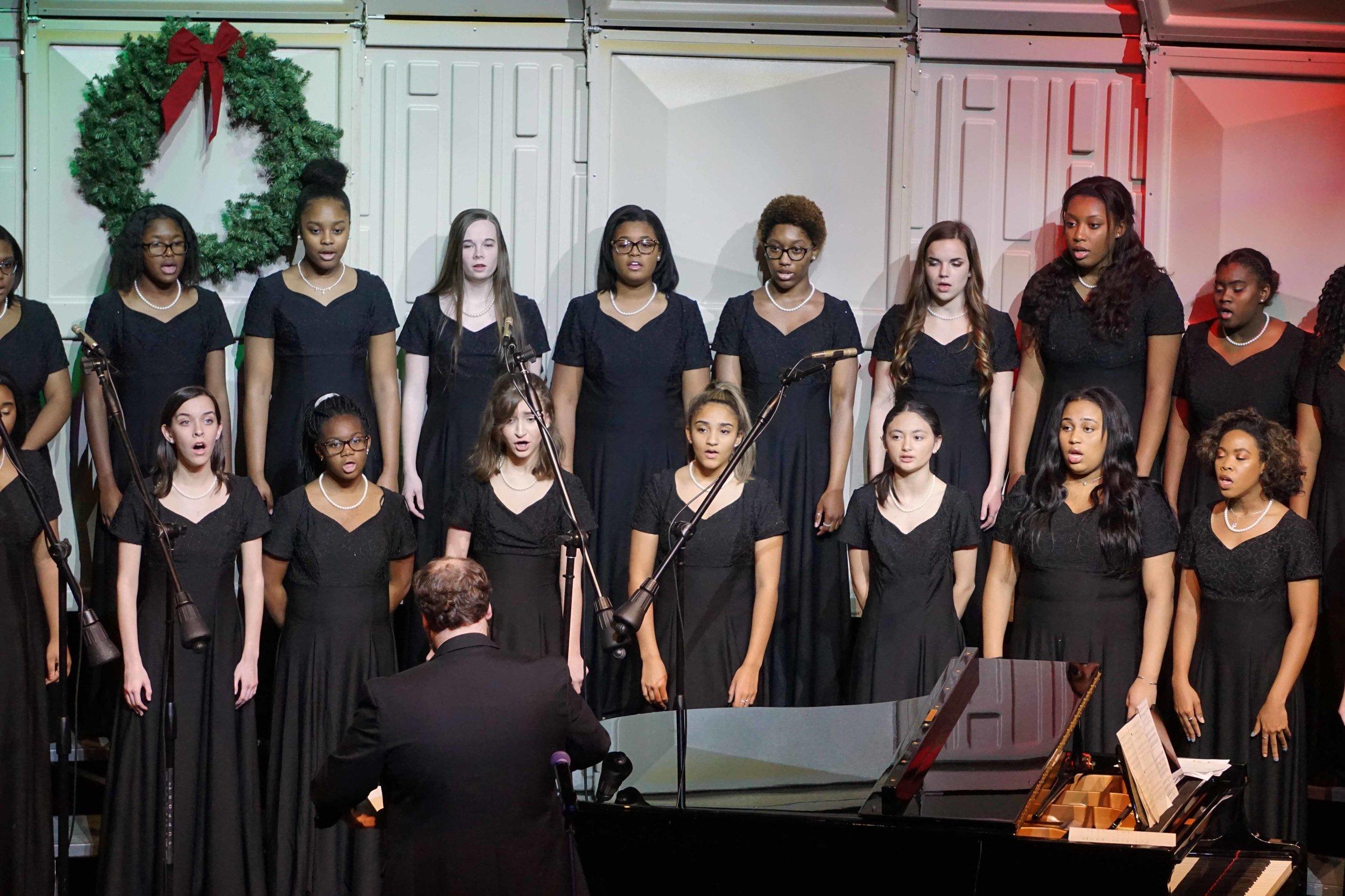 Dec3 ChorusChristmasConcertWomensChorus20.jpg