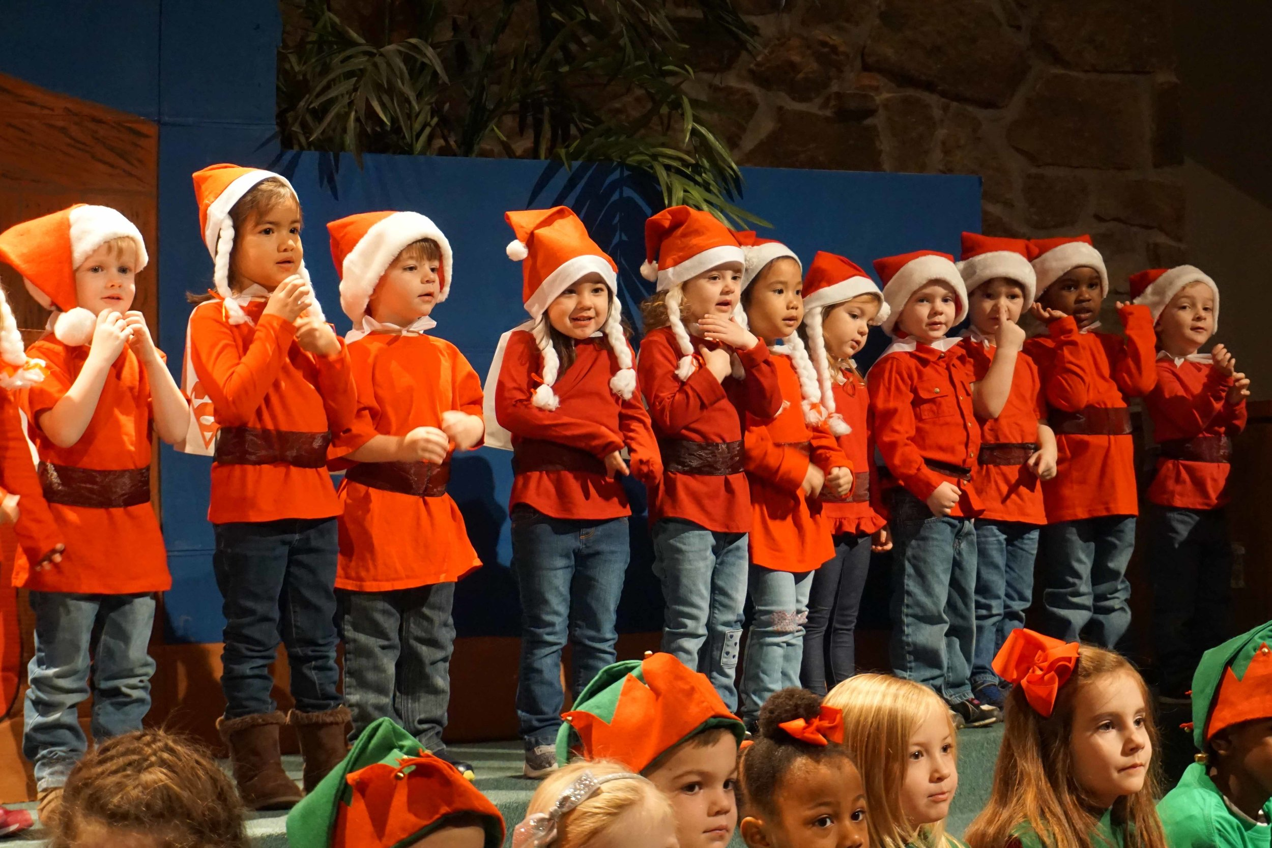 Dec13 WSLH ChristmasProgramJungle&OceanRooms20.jpg