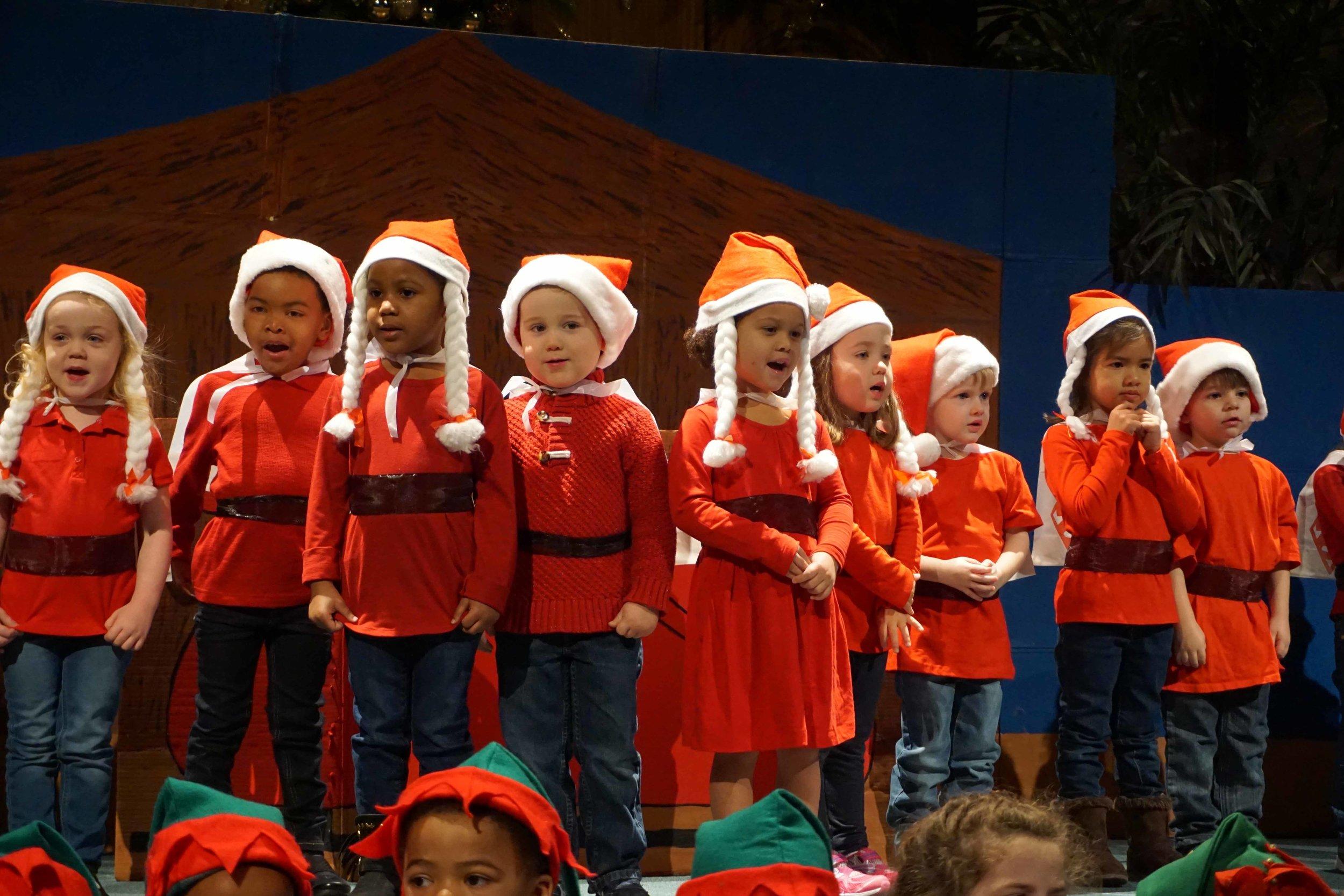 Dec13 WSLH ChristmasProgramJungle&OceanRooms28.jpg