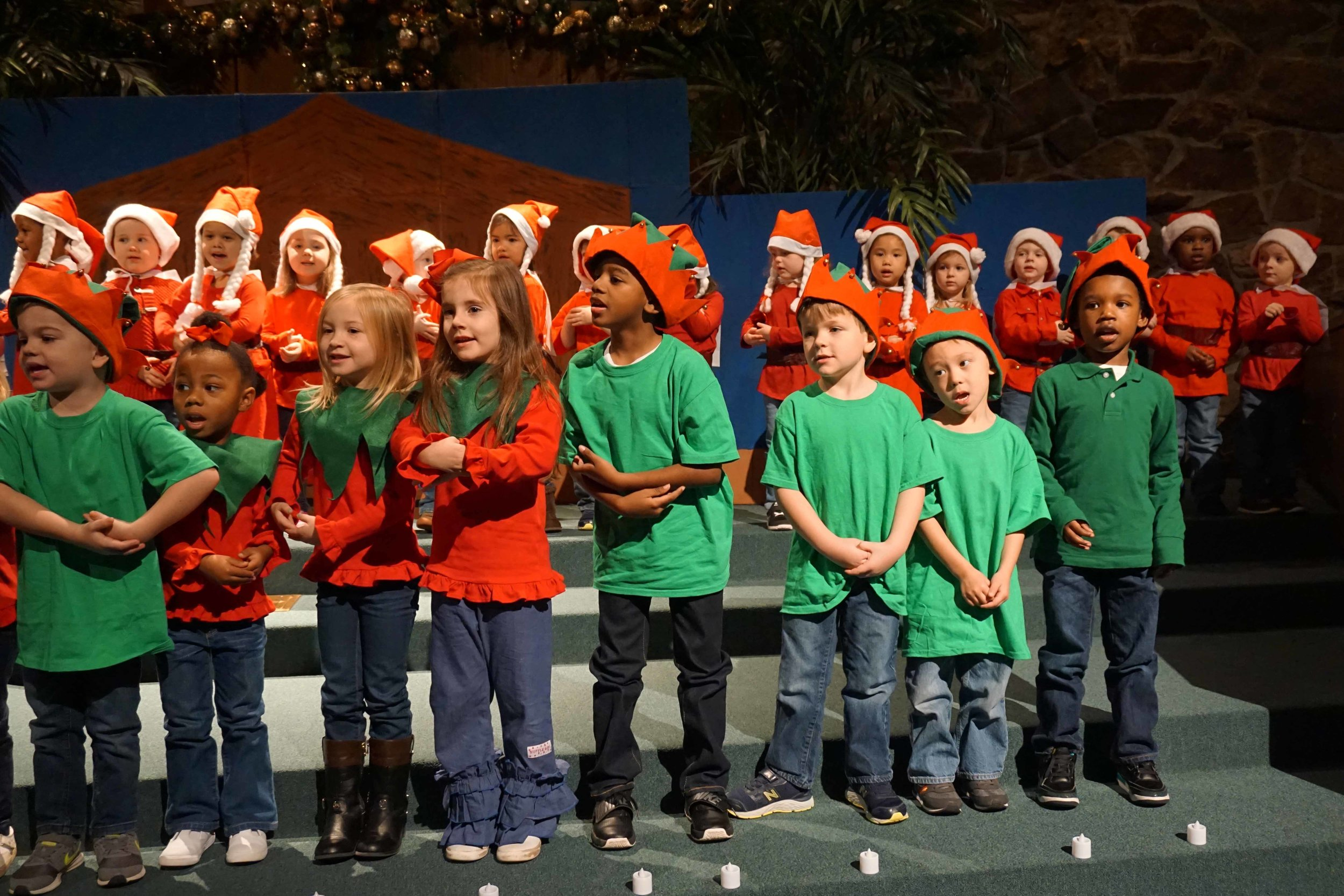 Dec13 WSLH ChristmasProgramJKjungle&OceanRooms40.jpg