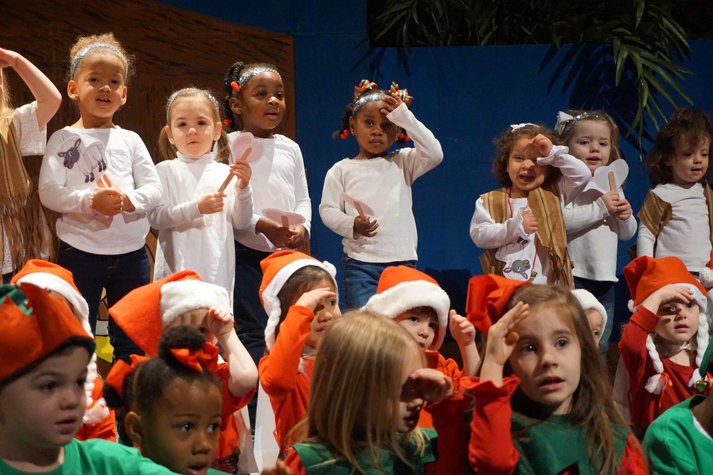 Dec13 WSLH ChristmasProgramTinyTravelers&HappyCamp48.jpg