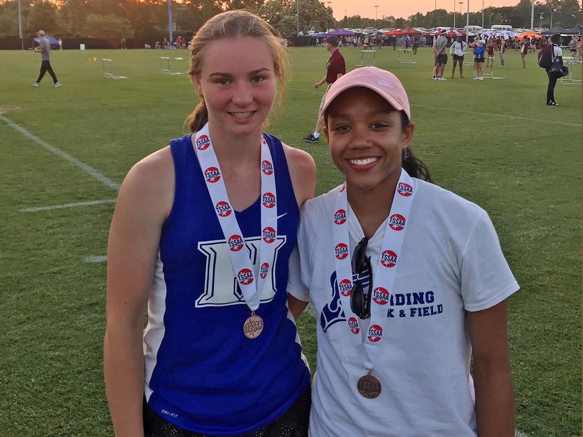 Rebekah Jennings 5th & Alexandria Ellis 7th in 400
