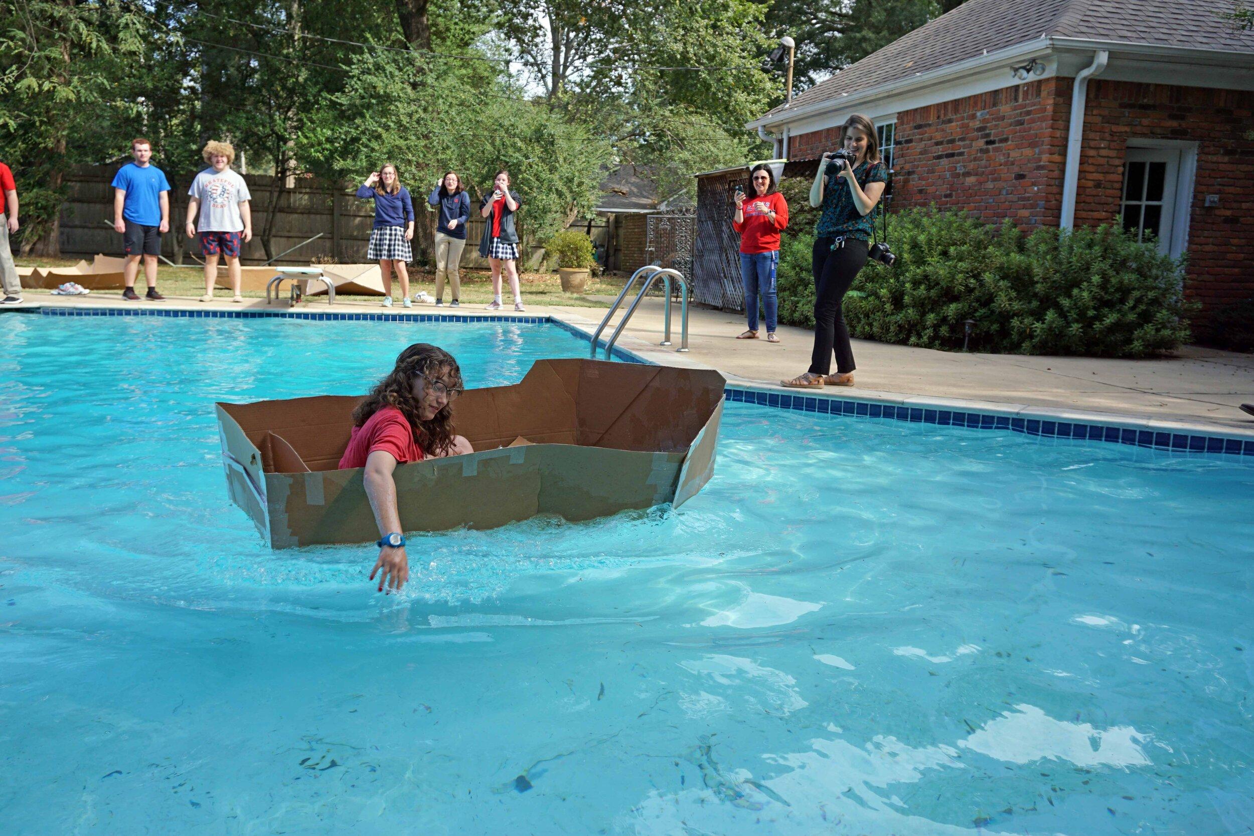 Sept27 DoCardboardBoatsFloat20.jpg