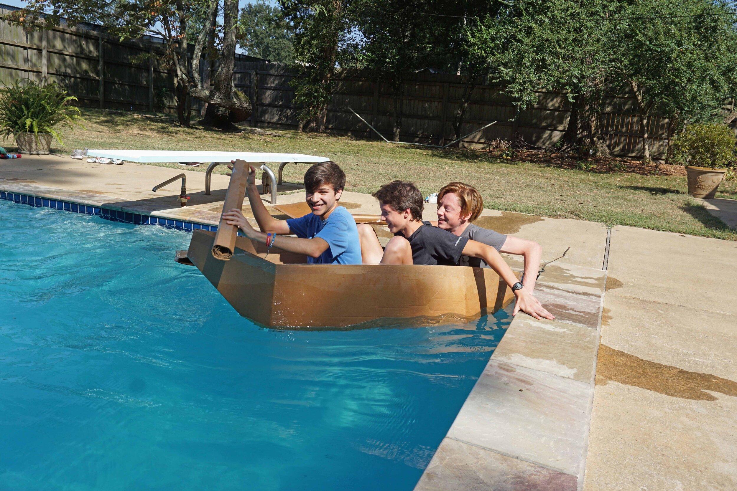 Sept27 DoCardboardBoatsFloat68.jpg