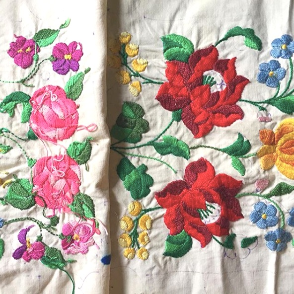 Hungarian Kalocsa unfinished pillowcase