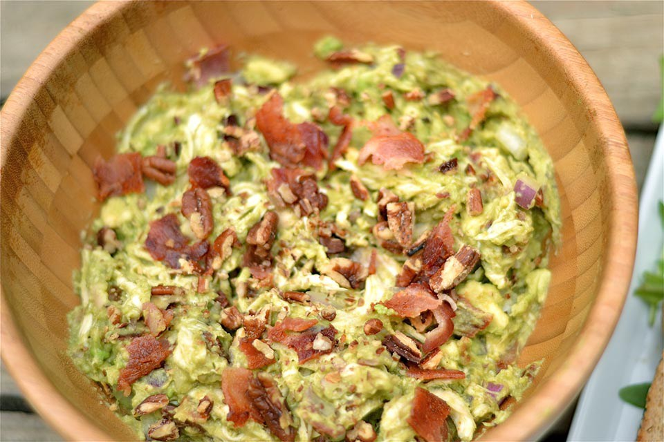 AVOCADO CHICKEN SALAD WITH BACON
