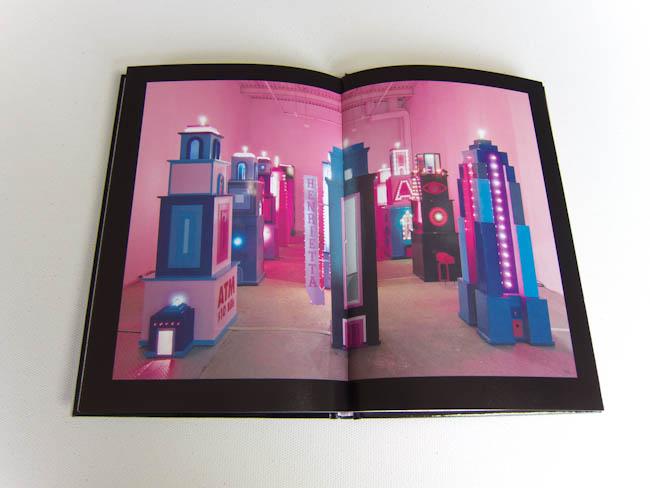 Andrepolis-Andre-Saraiva-Art-Book (8 of 9).jpg