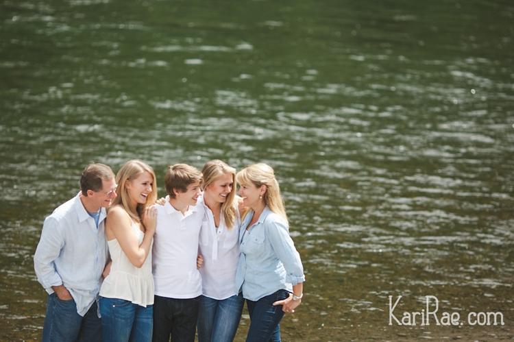 0055_Foulston-Family_kariraephotography.jpg