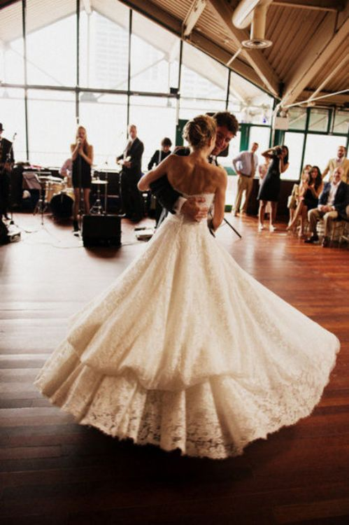 http://theberry.com/2012/03/26/b-e-a-u-t-i-f-u-l-wedding-ideas-34-photos-2/